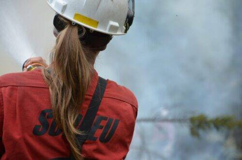 Pompier-forestier-de-la-SOPFEU-1024x678