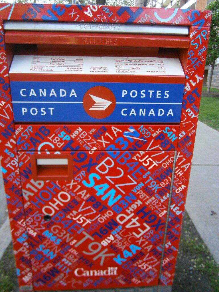 poste-Canada-768x1024