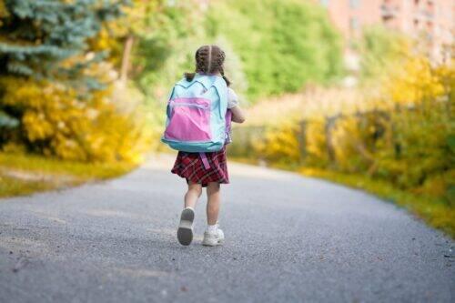 Enfant-école-primaire-1024x683