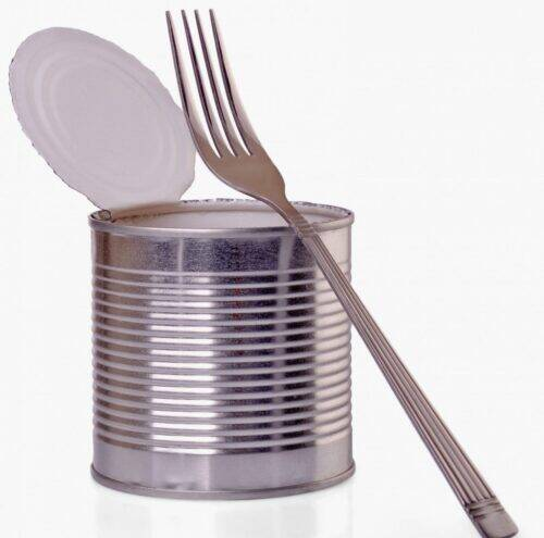 open-a-can-with-fork-PDUM3WD-scaled-e1584731985722-1024x1013