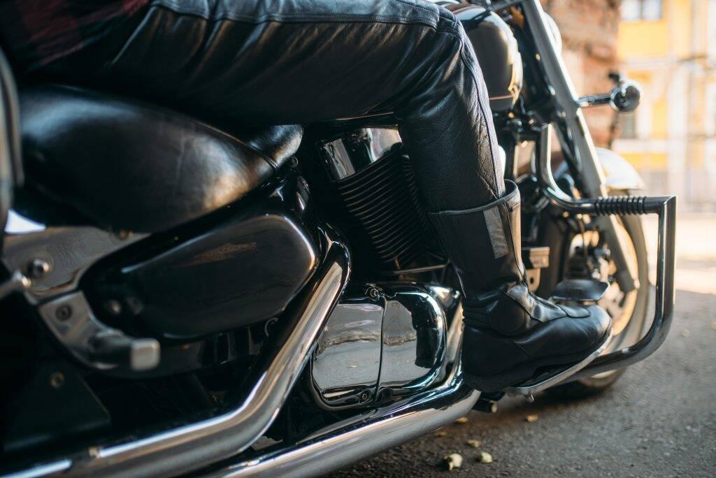 vintage-chopper-with-chrome-elements-bikers-KH2PD6E-1024x684