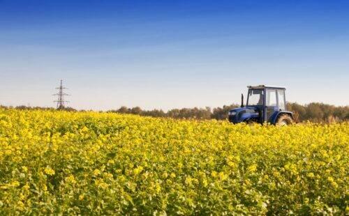 tractor-PZEQXWP-1024x635