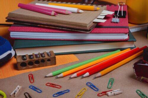 school-supplies-UVEHTMR-1024x683