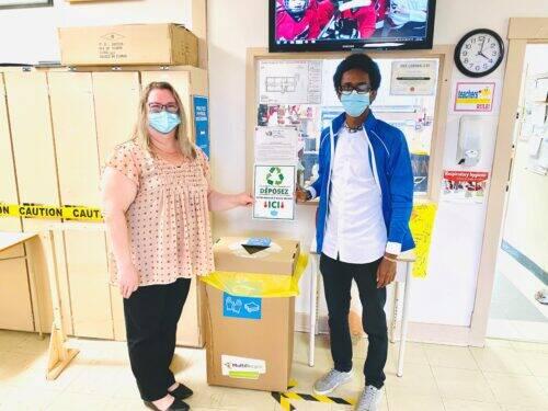 Récupération masques école St-Michael à Low